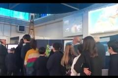 Luca Parmitano parla dallo Spazio con gli studenti delle scuole di Bari