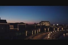 Si accendono le luci natalizie a Bari vecchia, Decaro: «Torneremo a festeggiare»