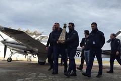 La statua della Madonna di Loreto sbarca all'aeroporto di Bari, resterà fino al 9 gennaio
