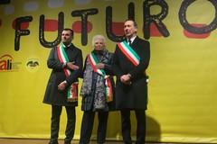 Solidarietà a Liliana Segre, Decaro guida i sindaci d'Italia a Milano