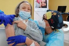"""Vaccinazioni over 80, Lopalco: """"Tutti i prenotati riceveranno la prima dose entro marzo"""""""