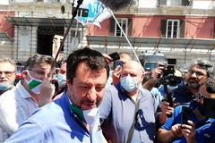 Salvini incontra i metalmeccanici in piazza Prefettura a Bari