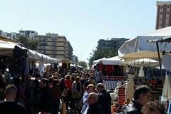 Mercato di via Salvemini, domenica apertura straordinaria