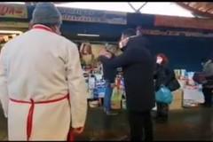 Disordini fra gli operatori del mercato di Santa Scolastica, Decaro: «Lo faccio chiudere»