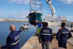 Mola di Bari, occupazione abusiva. Scatta il sequestro di 200 barche da diporto