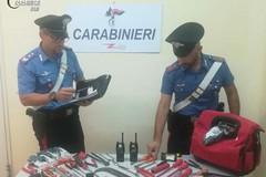 Rubano auto e scappano all'alt dei carabinieri, arrestati due giovani a Monopoli