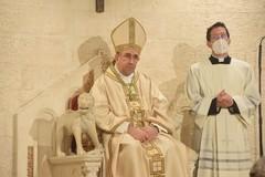 La cerimonia di insediamento di Monsignor Satriano a Bari