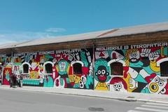 Un murale sulla parete della ex Rossani: «La lotta di classe diventa arte»