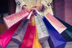 Due giugno, Regione Puglia dice sì all'apertura dei negozi «Nessun rischio sanitario»