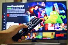 Abbonamenti illegali a Netflix, DAZN e Sky, 45 indagati uno in provincia di Bari