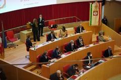 Regione Puglia, Emiliano: «Con M5s accordo per trasporti, rifiuti e welfare»