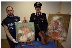 """Vendeva su Facebook falsi quadri di Lucio Fontana e uno """"Stradivari"""" contraffatto, denunciato"""