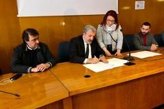 In Puglia nasce l'osservatorio regionale contro i neofascismi. Firmato il protocollo