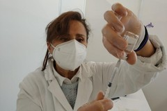 Bari, ecco come anticipare la seconda dose Astrazeneca: appuntamenti 8 e 10 giugno