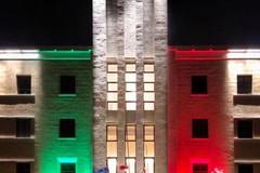Emergenza Coronavirus, il palazzo della Regione Puglia si tinge di tricolore