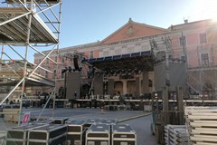 Capodanno in musica a Bari, in corso l'allestimento del palco da 46 metri