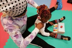 """""""Parole a colori"""", a Bari attività estive per donne e bambini da 0 a 6 anni"""
