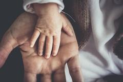 Bari, figlio di due donne, continua la battaglia legale per il riconoscimento