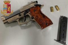 Aveva in auto una pistola alterata, arrestato 23enne a Bari