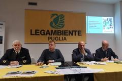 Spiagge della Puglia invase dalla plastica. L'indagine di Legambiente condanna la nostra regione
