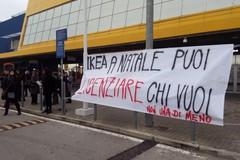 #PessimaIkea, protesta a Bari contro i licenziamenti
