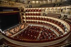 Posti contingentati e distanziamento, il teatro Petruzzelli di Bari riapre dopo il lockdown