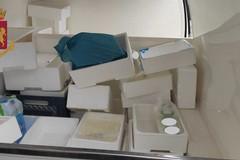 Sammichele, trasportava 45 chili di prodotti caseari senza etichetta. Scattano multa e sequestro