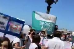 A Bari protestano i lavoratori degli asili nido privati: «La Regione ci aiuti»
