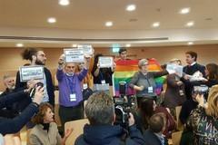 Bloccata legge regionale contro l'omofobia, protestano le associazioni in Consiglio