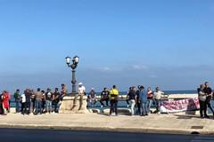 A Bari una nuova protesta dei pescatori, sit-in davanti alla presidenza regionale