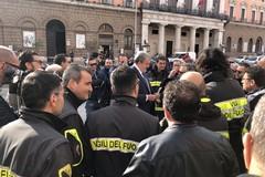 Anche a Bari lo sciopero dei vigili del fuoco per chiedere migliori mezzi e assicurazioni