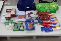 Fa la spesa nei supermercati senza pagare, arrestato in provincia di Bari