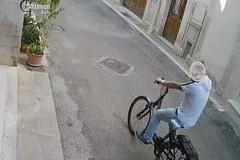Rapina un anziano nel centro storico di Triggiano, arrestato 37enne