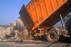 Smaltimento illecito di rifiuti in Lama San Giorgio a Bari, 4 arresti