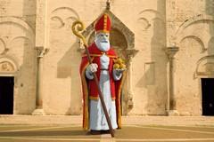 Bari, processo partecipativo per costruire una statua di San Nicola formata da 60mila mattoncini