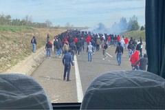 Scontri fra ultras di Bari e Lecce in autostrada, eseguite 12 misure cautelari