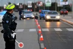 In macchina con 5 kg di coca e 100 mila euro, fermato corriere della droga sulla A14