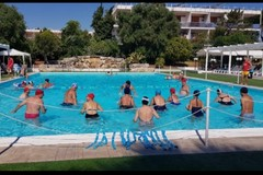 Bari, al via le attività in piscina e i corsi di yoga per gli over 65. Già 35 anziani iscritti