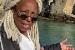 Puglia meta di turisti vip, Whoopi Goldberg stregata dal mare cristallino