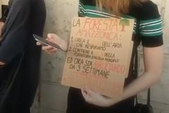 La protesta di Fridays for Future Bari per l'Amazzonia che brucia