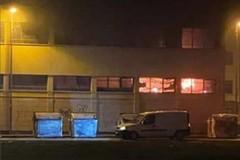Bari, fiamme nel marcato coperto di viale Lazio al San Paolo