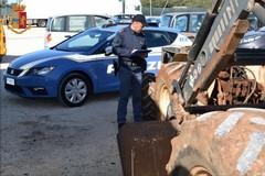 Recuperati tre trattori rubati nelle contrade di Monopoli, due denunce