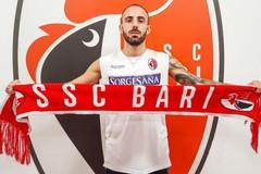 SSC Bari, ecco i numeri di maglia. La 10 va a Marras