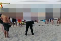 Bari, assembramenti per il beach volley abusivo a Pane e pomodoro. Scattano le multe