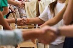 Stop al catechismo e niente segno della pace, le disposizioni della Cei contro il Coronavirus