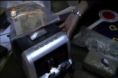 Traffico di droga e sigarette in provincia di Bari, otto arresti e maxi sequestro