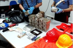 Trasportava droga in auto con vani nascosti, arrestato incensurato