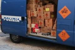 Trasporta in autostrada 145 chili di materiale pirotecnico illegale. Scattano denuncia e sequestro