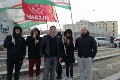 Porto di Bari, sit-in di protesta dei lavoratori dei servizi fiduciari