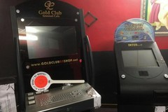 Gioco d'azzardo, 18 slot machine irregolari sequestrate in provincia di Bari